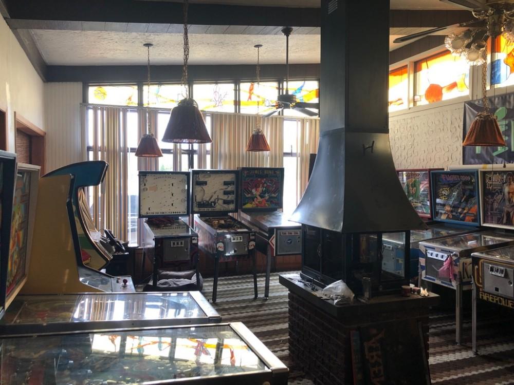 Ottawa Montreal Pinball and Arcade Museum